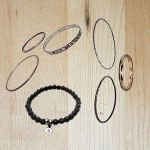 🔴15/$25. Gold & Silver Tone & Black Fashion Brace